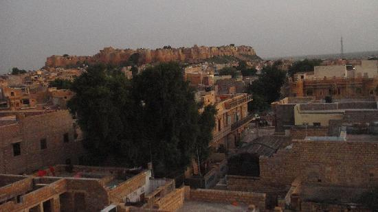Hotel Jaisal View: The Fort from the rought