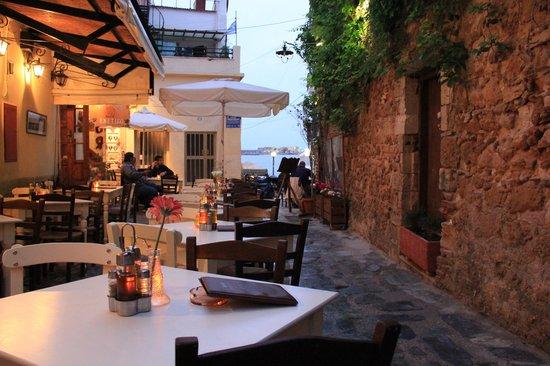 Enetikon Restaurant: 4