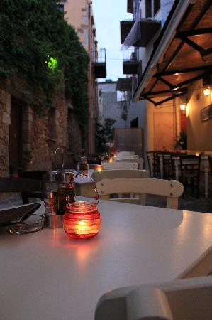 Enetikon Restaurant: 5