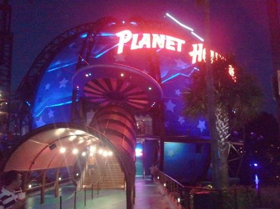 Disney's All-Star Movies Resort: Planet Hollywood in Dwntown Disney