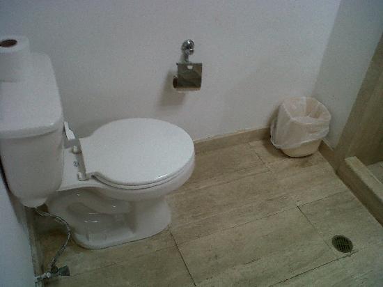 Hotel La Floresta: Baño remodelado