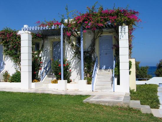 Serita Beach Hotel: autres chambres côté jardins