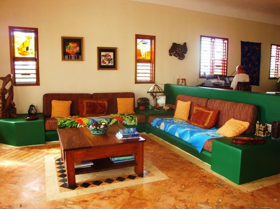 Casa Que Canta: Living Room area of villa