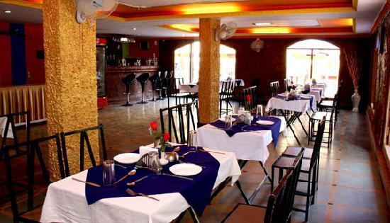 Krish Holiday Inn Baga: Restaurant