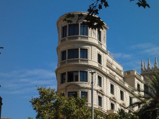 โรงแรมวิลสัน บูติค: hotel from outside