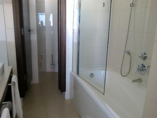 The Palace: bathroom