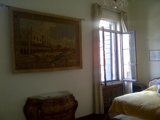 Ca' Zanardi: Room with canal view