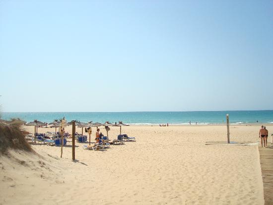 Valentin Sancti Petri Hotel Chiclana: The lovely sandy beach