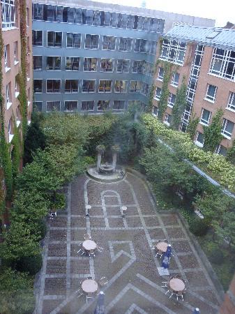 โรงแรมฮิลตัน มิวนิก ซิตี้: Garden view