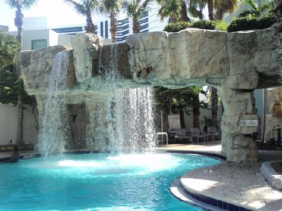 Hyatt Regency Sarasota: Waterfalls