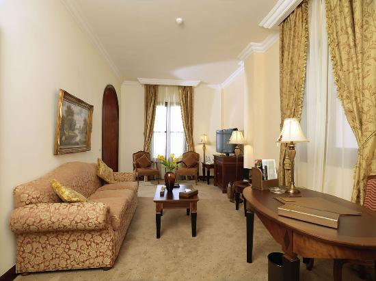 Le Patio Boutique Hotel: .Living Area