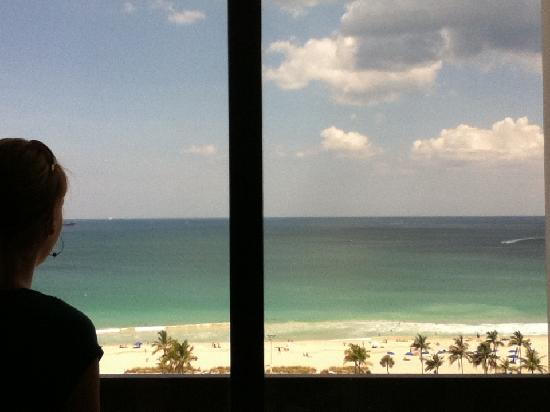 Bahia Mar Fort Lauderdale Beach - a Doubletree by Hilton Hotel: View from Room!