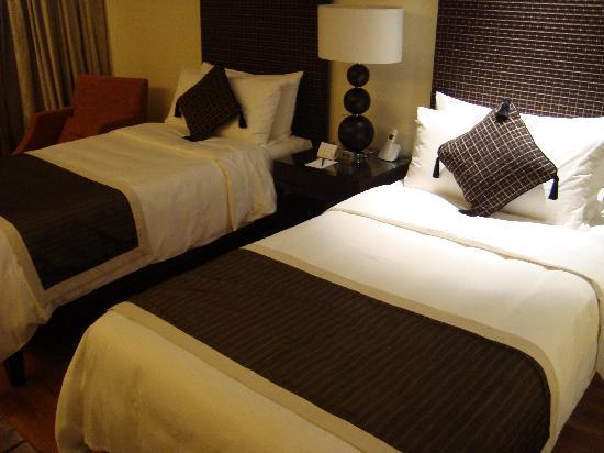 โรงแรมพาร์ครอยัล ออน บีชโร้ด: No. 3