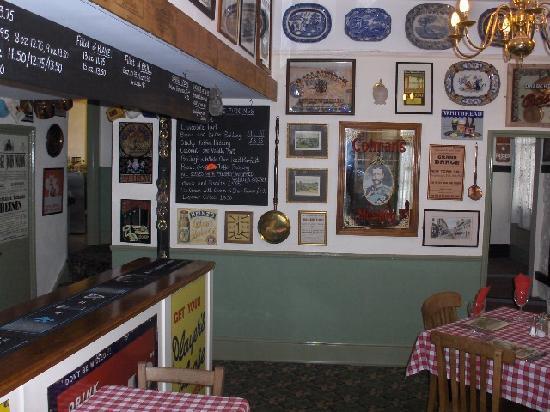 Memories Bistro: In the main bar