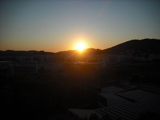 Sol Beach House Ibiza: Santa Eulalia Sunset
