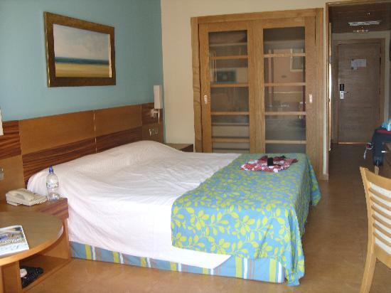 Elba Carlota Beach & Convention Resort: Our room