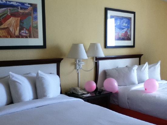 Bahia Mar Fort Lauderdale Beach - a Doubletree by Hilton Hotel: 2 beds with plenty of room to spare!