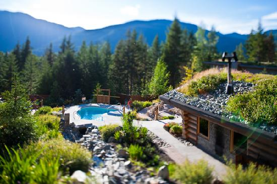 Scandinave Spa Whistler: Spa with a view!