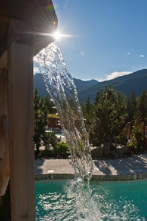 Scandinave Spa Whistler: Waterfall