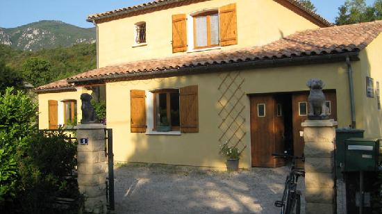 Quillan B&B : Front of House