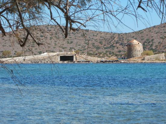 Akti Olous Hotel: Canal bridge and windmills