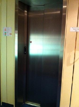 Hotel d'Amsterdam: gelukkig een lift