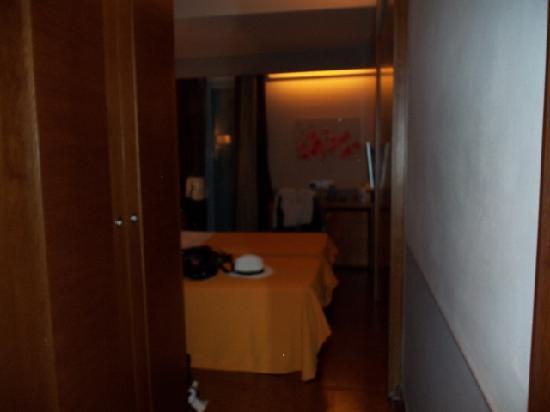 โรงแรมคอนดอทติพาลาเช: view into our room
