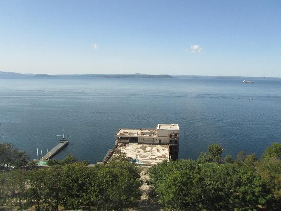 A Hotel Amur Bay: вид на амурский залив