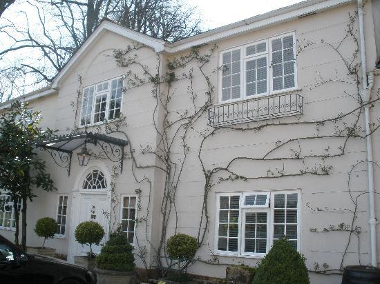 Summer Lodge: The Coach House