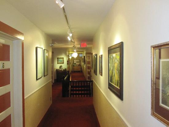 Historic Requa Inn: Hallway