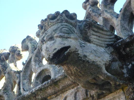 Parador de Santo Estevo: detalle claustro Dos Bispos