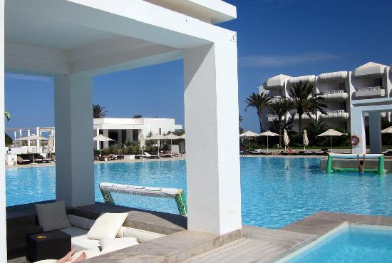 Radisson Blu Palace Resort & Thalasso, Djerba: The pool.