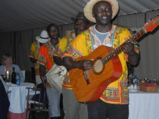 Governor's Camp: night entertainment at dinner