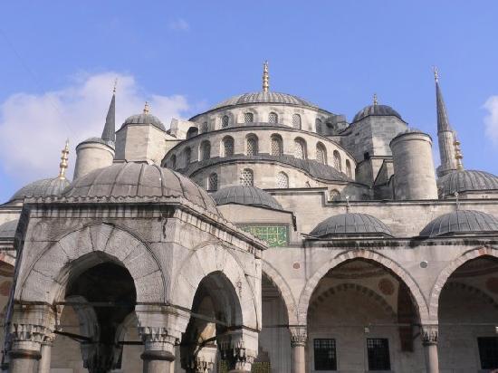 มัสยิดสุลต่านอาห์เมต: Mezquita Azul