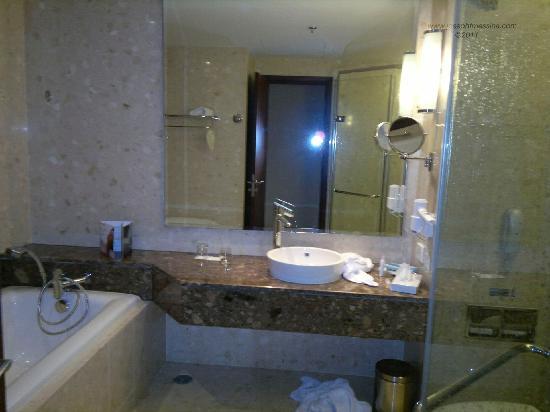 โนโวเทล แบงคอค สุวรรณภูมิ แอร์พอร์ท: Bathroom.