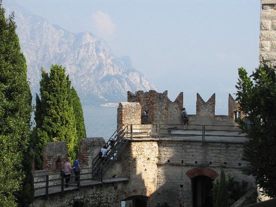 Club Hotel Olivi: Blick von Burg nach Malcesine