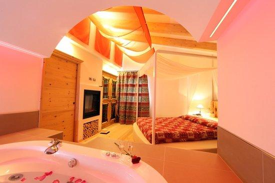 Park Hotel El Pilon: suite romantik