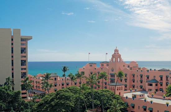 The Royal Hawaiian, a Luxury Collection Resort: The Pink Palace of the Pacific