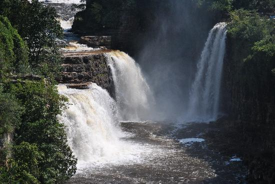The Hungry Trout Resort: Ausable Chasm is an easy 15 minute drive