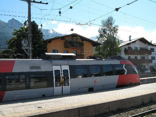 Pension Krinserhof: EVERYTHING TO HAND 6 MINS TO SEEFELD TOWN BY FOOT