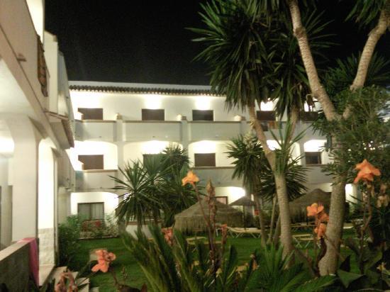 Hotel Tarik: De nuit