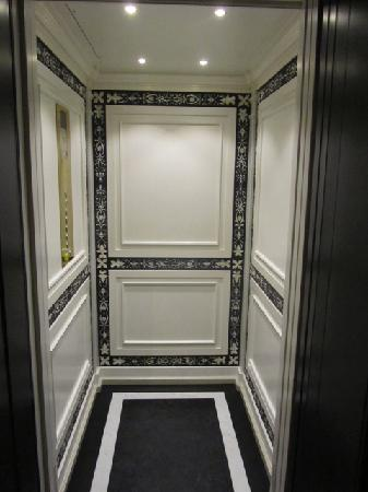 Villa Cora: the lift