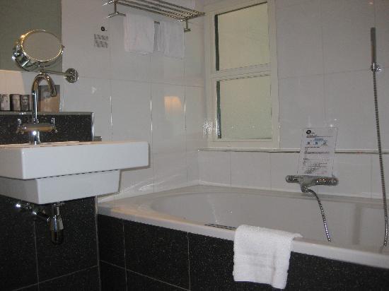 Inntel Hotels Rotterdam Centre: Bathroom