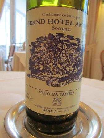 Grand Hotel Aminta: Do yourself a favor - get the house (red) wine at dinner.  Mmmmm!!