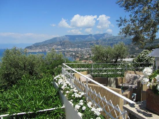 Grand Hotel Aminta: View of Sorrento from the restaurant balcony