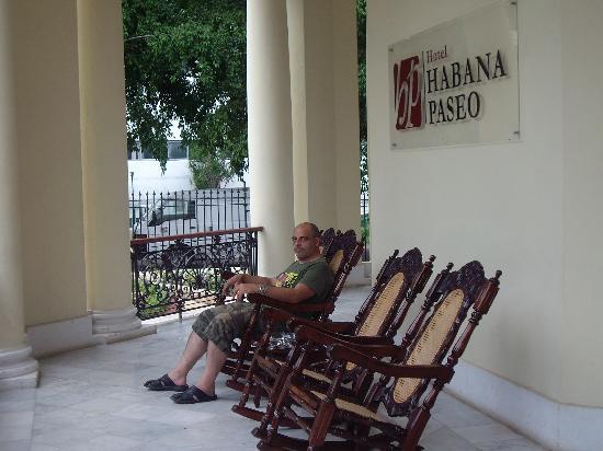 Hotel Sercotel Paseo Habana: atrio