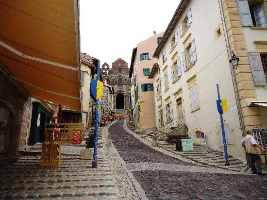 Ibis Styles Le Puy-en-Velay Centre : Ici commence une longue route...