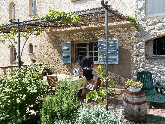 La Bastide Saint Christophe : BBQ Area in the private garden