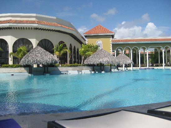 Paradisus Punta Cana Resort: The pool