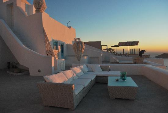 White Santorini Suites & SPA: EXTERIOR RECEPCION